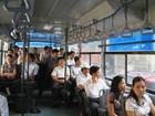Hà Nội dừng 5 tuyến xe buýt phục vụ công chức do vắng khách