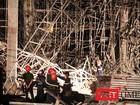 Đà Nẵng: Sập giàn giáo công trình Luxury Apartment, nhiều người bị vùi lấp