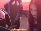 Những cô gái kiếm sống nhờ chơi game 12 tiếng mỗi ngày