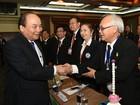 Thủ tướng Nguyễn Xuân Phúc gặp gỡ hơn 200 doanh nhân Việt Kiều tại Thái Lan