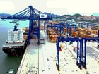 Thí điểm vận chuyển hàng hóa trung chuyển giữa các cảng biển quốc tế