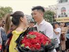Video: Dân mạng phấn khích với màn tỏ tình hoành tráng ngay trên phố đi bộ Bờ Hồ