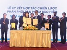 Nam A Bank ký hợp tác chiến lược với Bảo hiểm Nhân thọ FWD Việt Nam