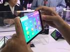 Video: Lenovo trình diễn máy tính bảng có thể gập đôi