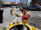 Video: Cảnh đời của phụ nữ gốc Việt quét rác ở Mỹ