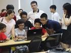 """Code for Vietnam: Trẻ em được """"nhập vai"""" Lập trình viên thực thụ"""