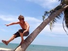 """Chàng trai """"Hercules Aiden Webb"""" đã gục ngã ở Việt Nam"""