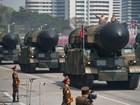 Triều Tiên phô trương tên lửa: Khoe sức mạnh, mời đàm phán?