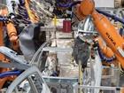 """Robot """"phản chủ"""", bóp chết một công nhân lắp ráp ô tô ở Đức"""