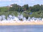Video: Lực lượng công binh Nga dũng mãnh vượt sông Oka