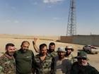 """""""Hổ Syria"""" đập tan cuộc tấn công của IS, chiếm nhiều xe tăng, thiết giáp (video)"""