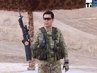 Tổng thống phi dao găm, bắn súng thị phạm lực lượng an ninh (video)