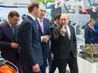 Tổng thống Nga Putin thị sát các sản phẩm công nghệ cao tại INNOPROM