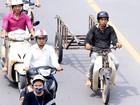 """Sẽ """"bỏ hẳn"""" thu phí đường bộ với xe máy"""