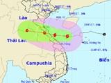 Bão số 4 đổ bộ vào đất liền các tỉnh Hà Tĩnh-Quảng Trị, gió giật mạnh