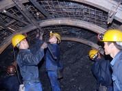 Bục nước đường lò, 3 công nhân gặp nạn