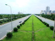 Sẽ cắt cỏ Đại lộ Thăng Long khi có yêu cầu của thành phố