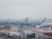 Nhiều chuyến bay đến Vinh và Đồng Hới phải hủy do mưa bão