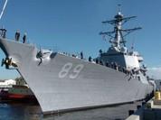 """""""Đột nhập"""" khu trục hạm USS Mustin Mỹ đang thăm Cam Ranh"""