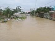 Video: Mưa lớn đường cũng như sông ở Đồng Nai