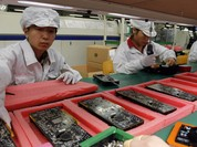 Donald Trump phải ra nhiều ưu đãi cho Foxconn nếu muốn sản xuất iPhone tại Mỹ