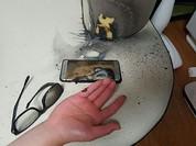 Pin smartphone phát nổ: Lỗi ở… lợi nhuận?