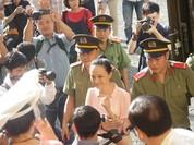 """Hoa hậu Phương Nga: """"Im lặng vì sợ cơ quan điều tra hủy chứng cứ"""""""