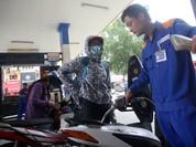 Giá xăng tăng mạnh, vượt ngưỡng 17.000 đồng