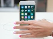 """Đằng sau """"cuộc chiến"""" giành quyền kiểm soát người dùng của các ông lớn smartphone"""