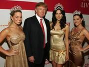 Ông Trump bị tố thản nhiên ra vào phòng thay đồ của nữ thí sinh