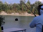 Video: Dùng iPhone 7 làm mồi câu cá