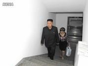 """Video: Chuyến """"dân vận"""" thuở vừa lấy vợ của ông Kim Jong-Un"""