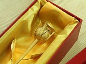 Những món quà Valentine sang chảnh dành cho 'con nhà giàu'