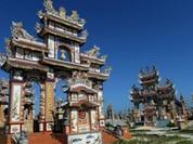 Thành phố mộ tiền tỷ ở Việt Nam lên báo Pháp