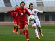 Hình ảnh thi đấu kiên cường của ĐT nữ Việt Nam trước Trung Quốc