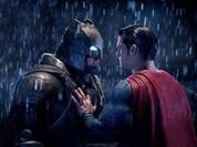 """Video: """"Batman vs Superman"""" lập hàng loạt kỷ lục trong ngày ra mắt"""