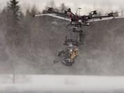 Video: Cận cảnh sát thủ mang cưa xăng tiêu diệt người tuyết