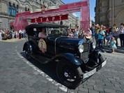 Video: Ngắm lại những chiếc xe huyền thoại thời Xô viết