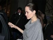 """Angelina Jolie """"trơ xương"""" sau tin đồn tiều tụy sắp chết"""