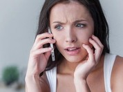 Video: Da mặt nổi mụn có thể vì điện thoại... bẩn