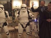 Video: Nhà Obama nhảy múa cùng chiến binh robot