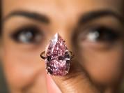 Viên kim cương hồng có giá kỷ lục hơn 31 triệu USD