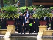 Ảnh Việt Nam đón Obama trang trọng và nồng hậu lên fanpage Nhà Trắng