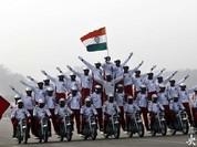 Video: Màn diễu hành môtô cực mạo hiểm của lực lượng biên phòng Ấn Độ