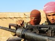 """IS """"vớ bẫm"""", nhặt được vũ khí Mỹ thả từ trực thăng"""