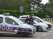Nhiều cảnh sát có tên trong danh sách của thủ phạm vụ tấn công ở Pháp