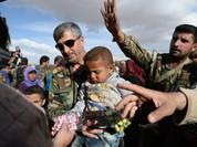 Bất chấp vòng vây IS, máy bay Nga thả viện trợ nhân đạo xuống Syria