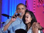 Video: Tổng thống Obama hát mừng sinh nhật con gái cưng tròn 18 tuổi