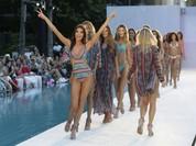 Mãn nhãn màn trình diễn bikini ở thủ đô thời trang bãi biển
