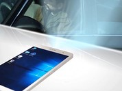 Ra mắt smartphone chạy cả Windows 10 và Android